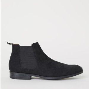 H&M • Black Chelsea Boots